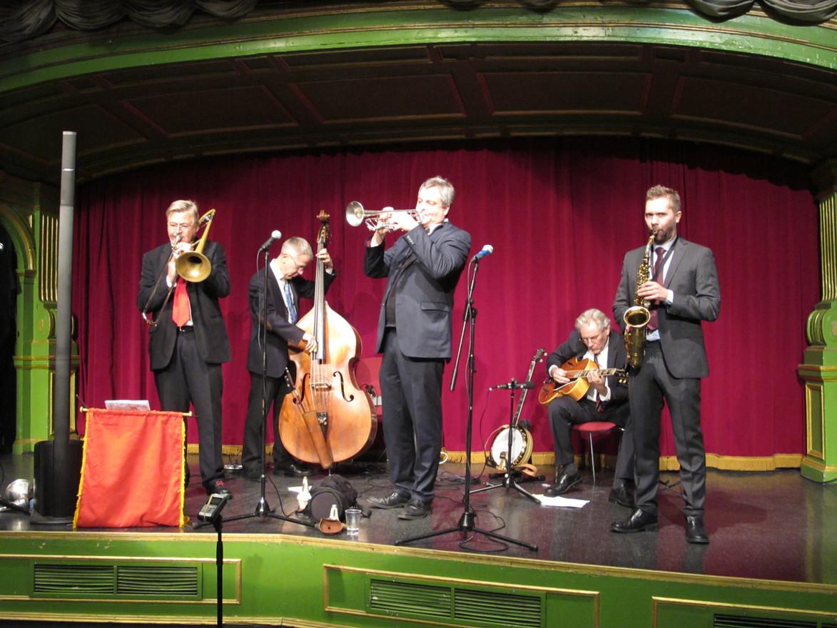 Den utsökta orkestern The Classic Jazz Quartet med gästsolist Duke Heitger på Grönan.