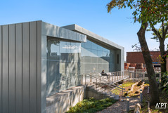 Mariners Harbor Public Library.jpg