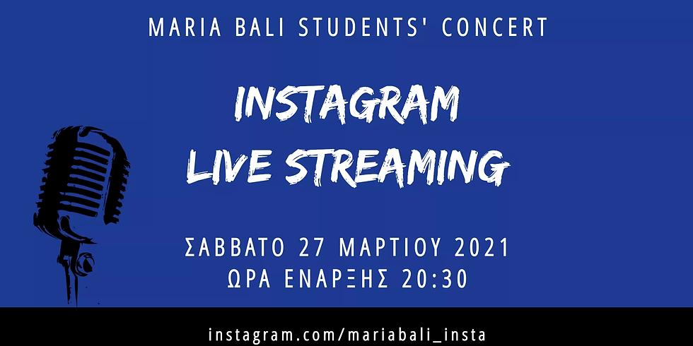 Μαθητές φωνητικής σε ένα μουσικό Live streaming στο Instagram