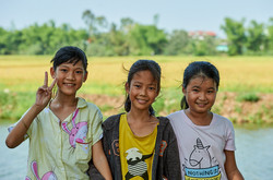 Girls in the outskirts of Hue