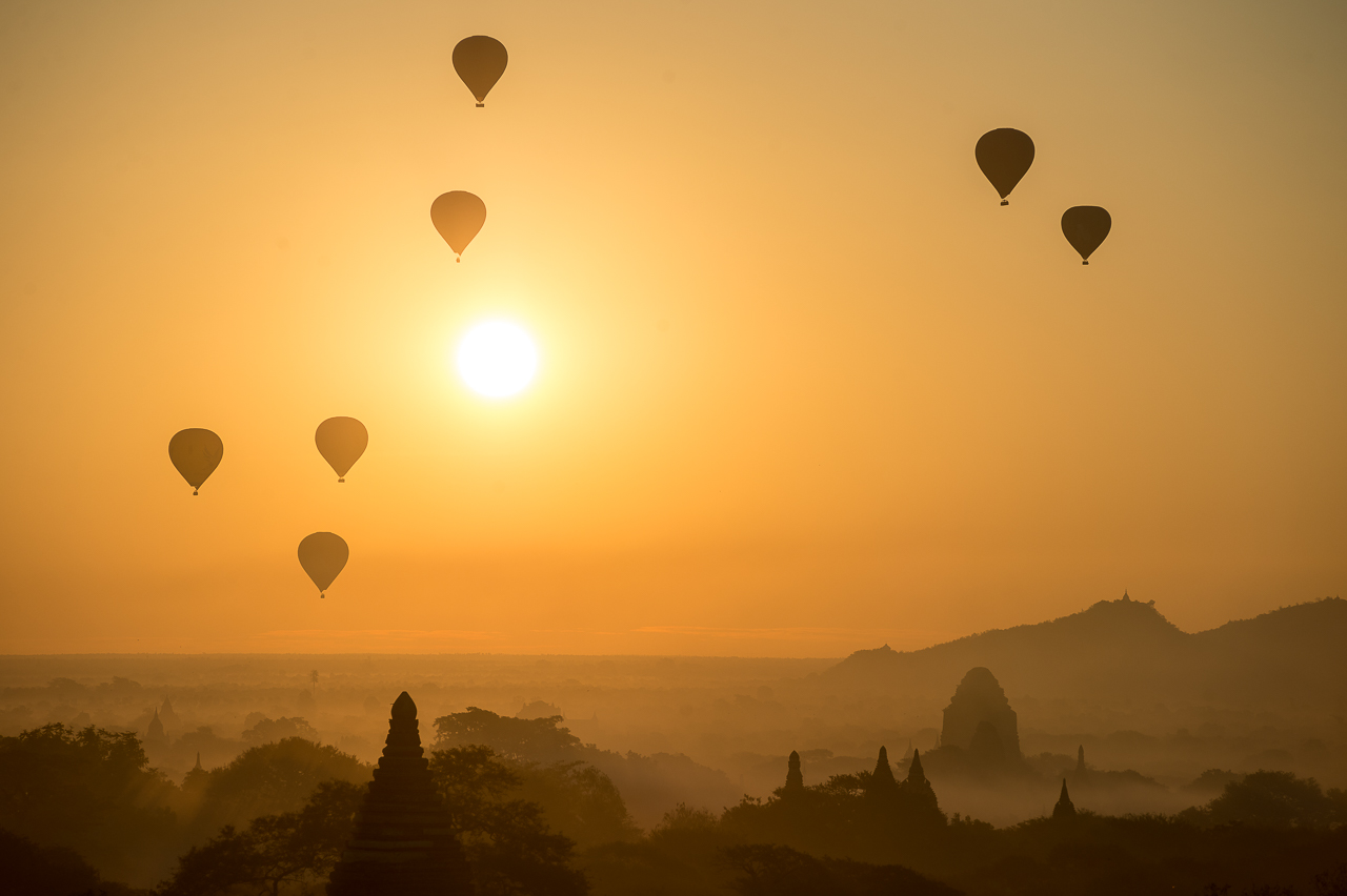 Air balloons over Bagan