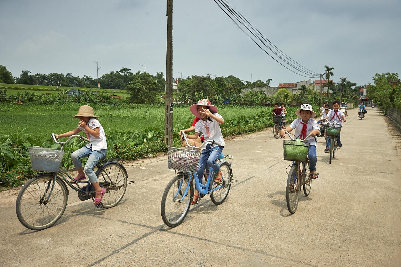 Schoolchildren, Cao Thon village