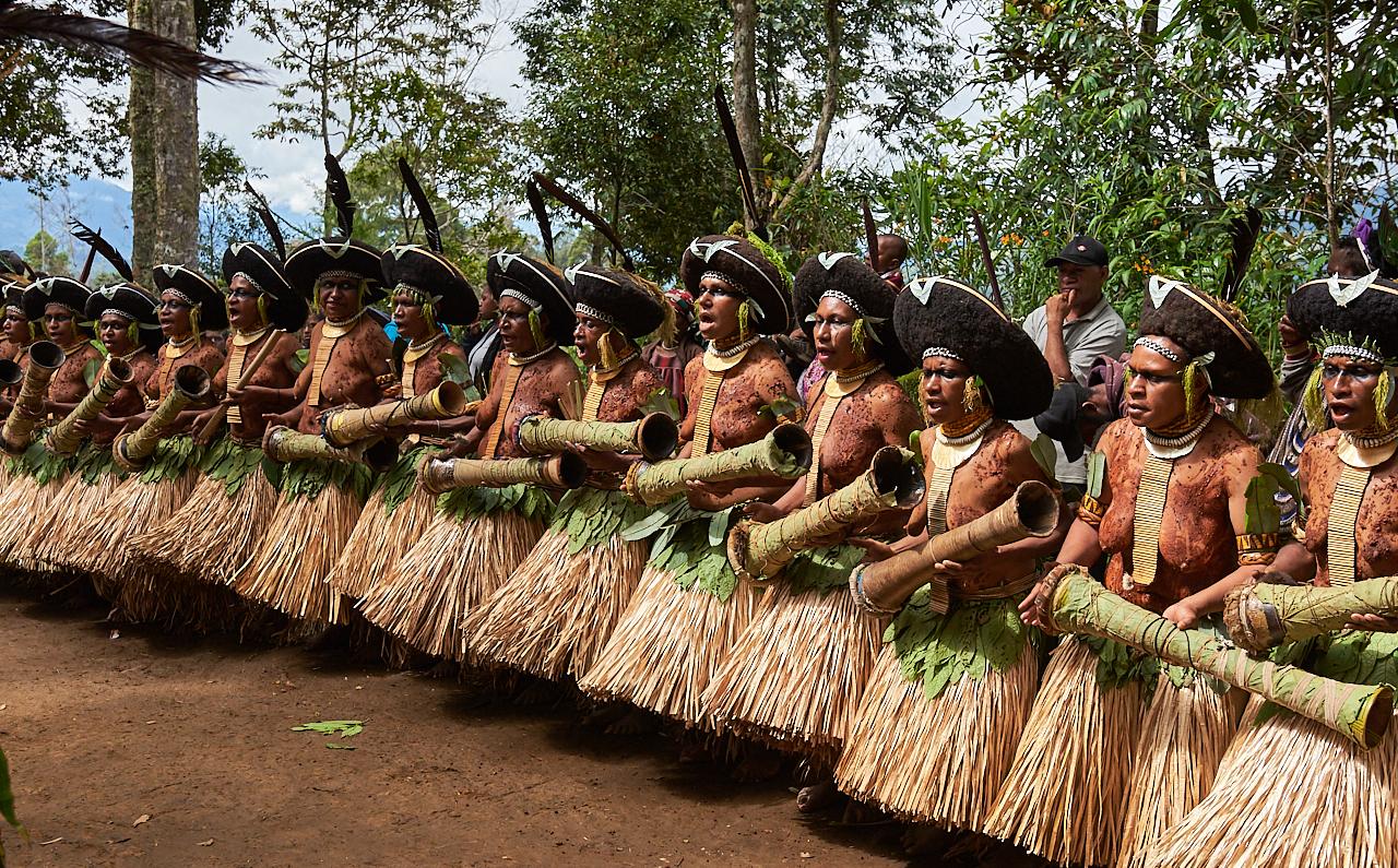 Suli muli women, Payia