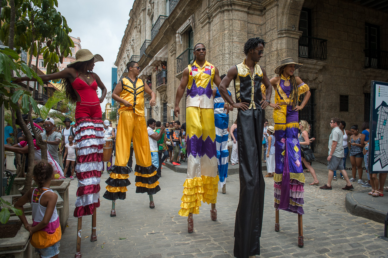 Stilt dancers, Havana