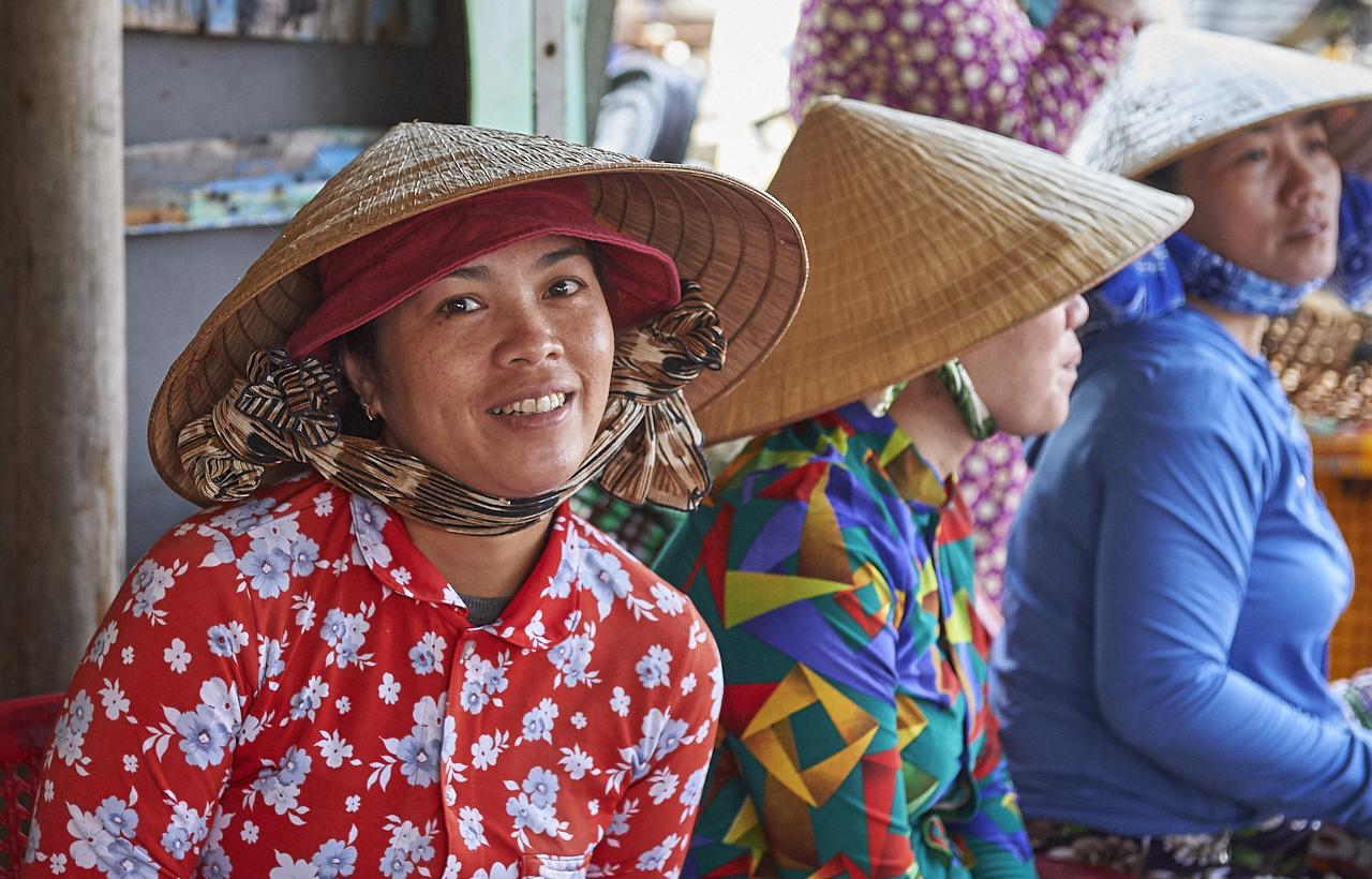 Fish market workers, Nha Trang