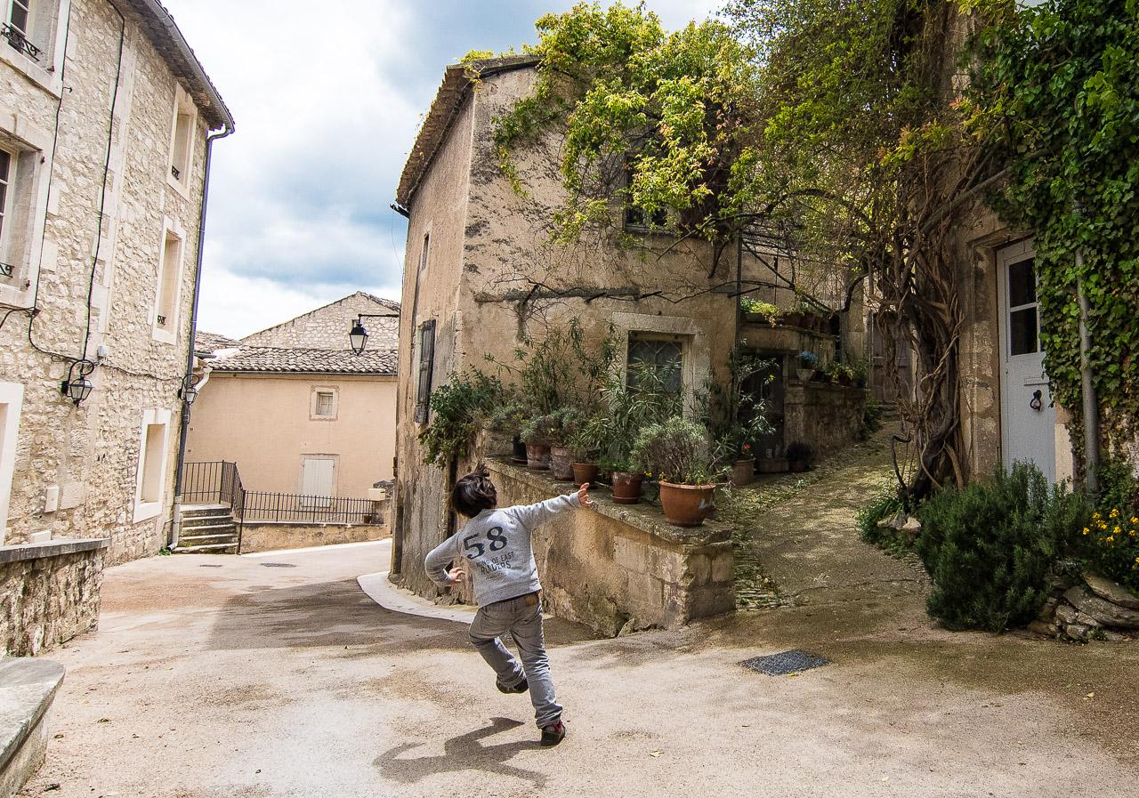 Boy running, Lacoste