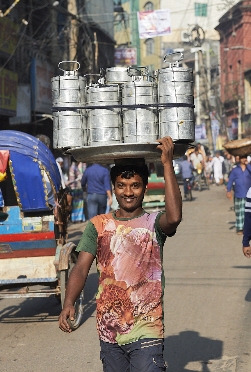 Tiffin box carrier, Dhaka