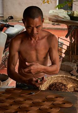 Incense worker, Cao Thon, Hanoi