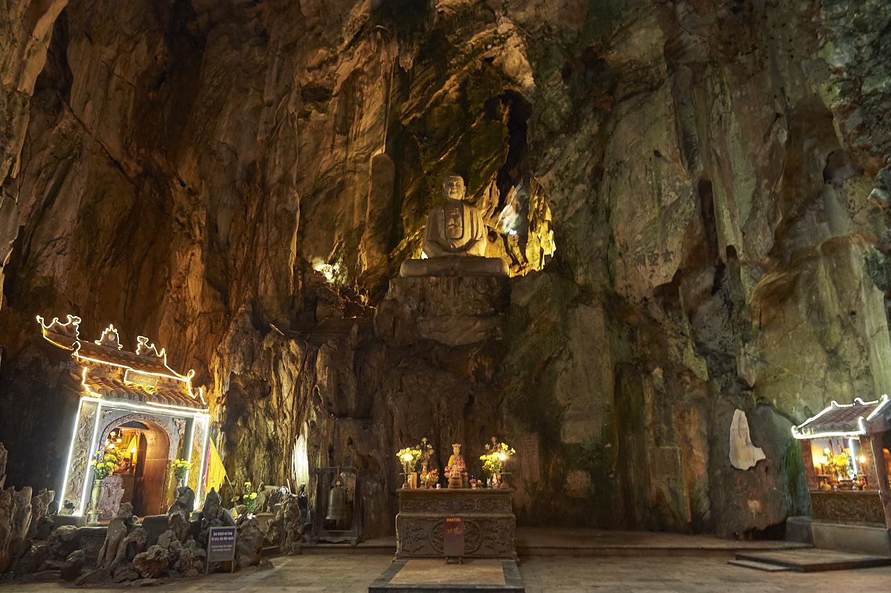 Huyen Khong cave, Marble Mountain