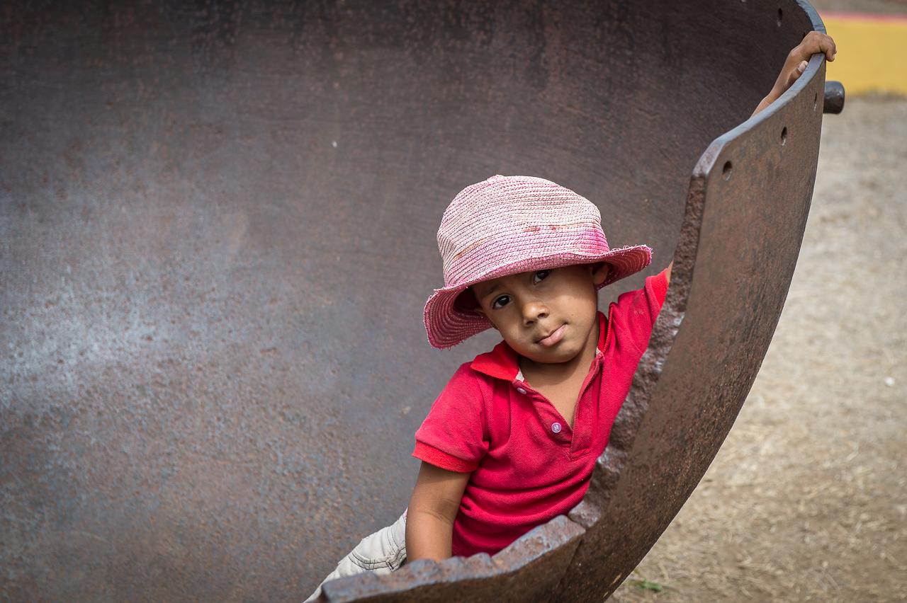 In the sugar processing pot, Ignaza