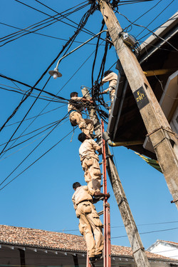 Power workers, Galle