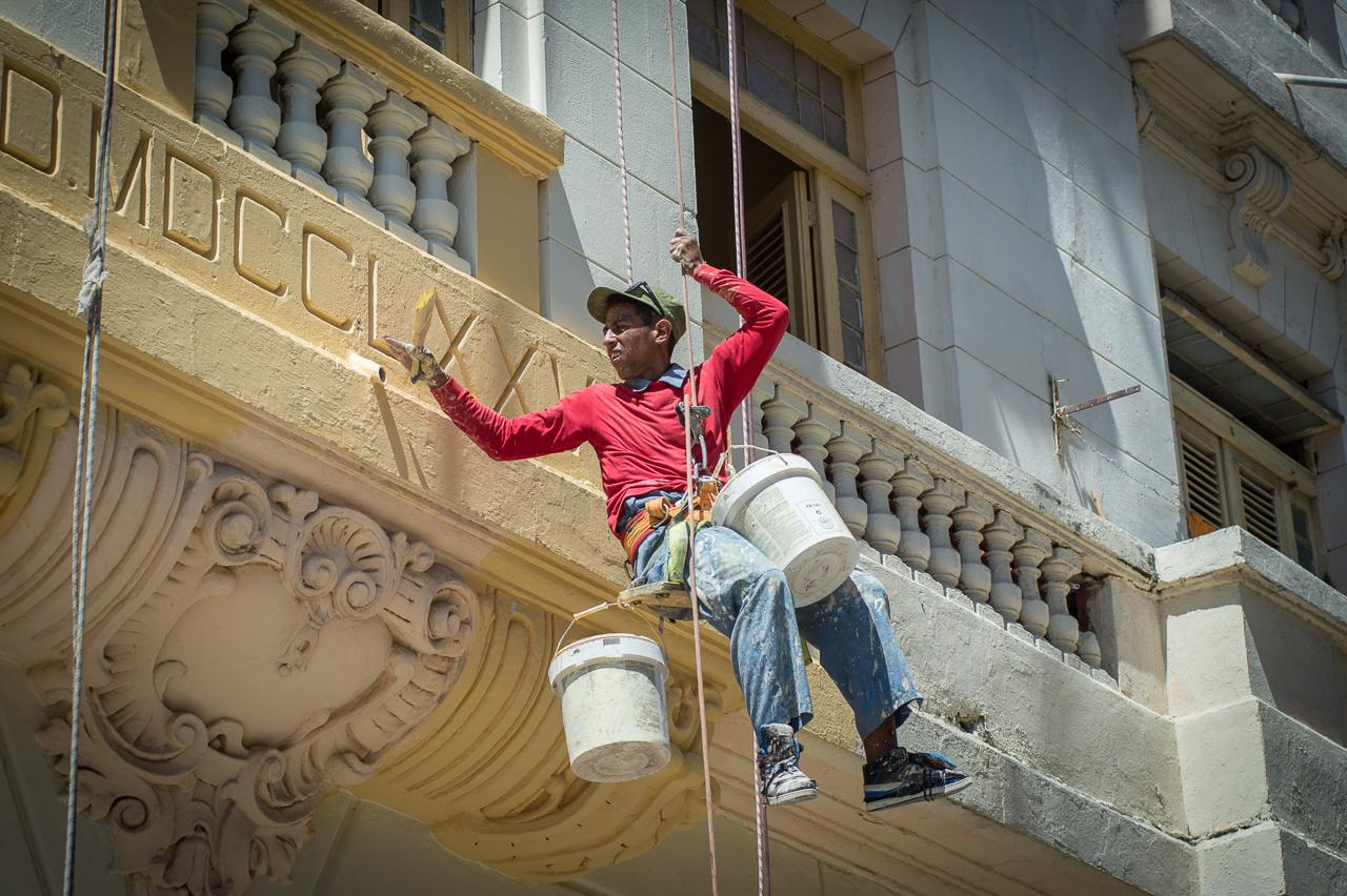 Building painter, Havana