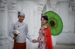 Wedding couple, Kuthodaw pagoda
