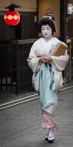 Geiko on her way to work