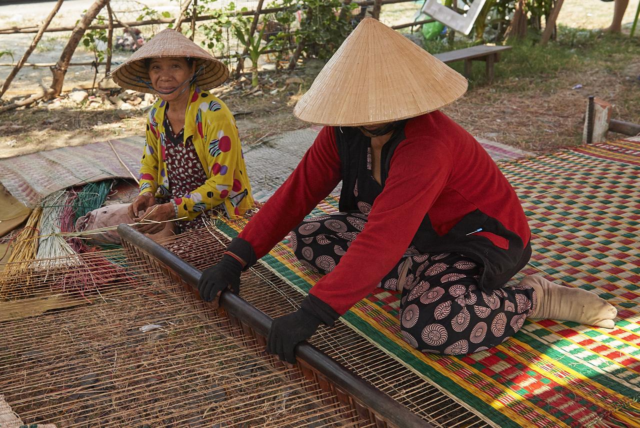 Weaving reed mats, Nha Trang
