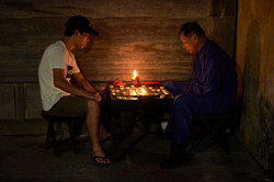 Playing Chinese chess, Hoi An