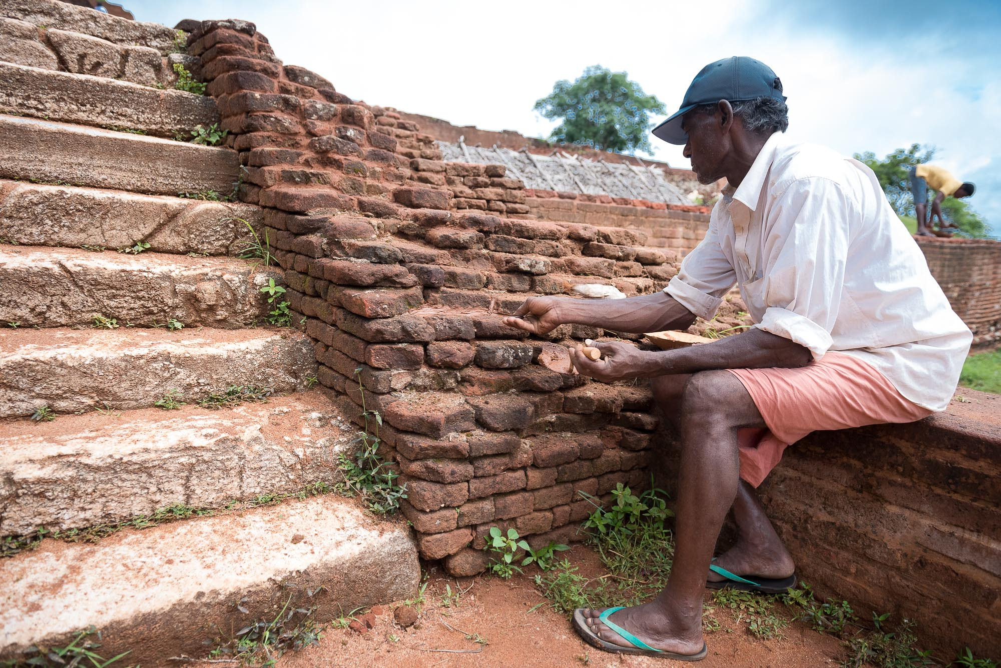 Maintenance worker, Sigiriya