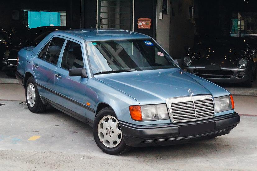Mercedes-Benz 260E 1989
