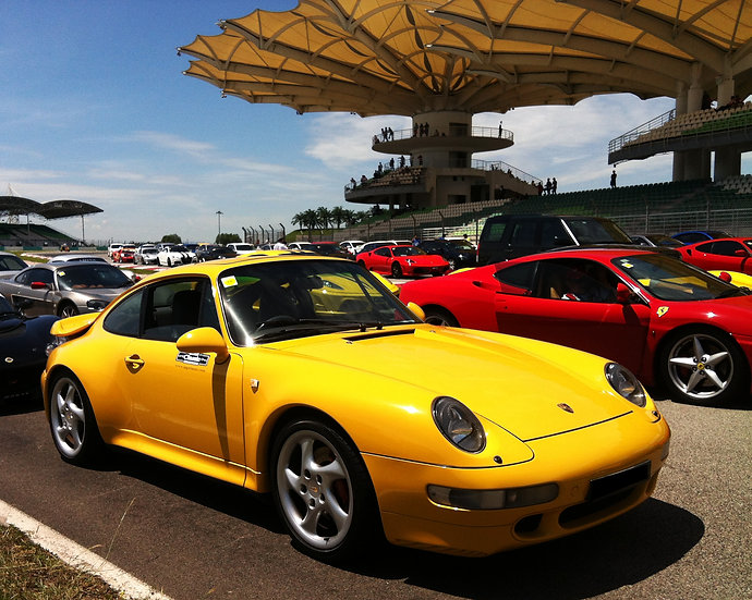 Porsche 911 (993) C4S (M)