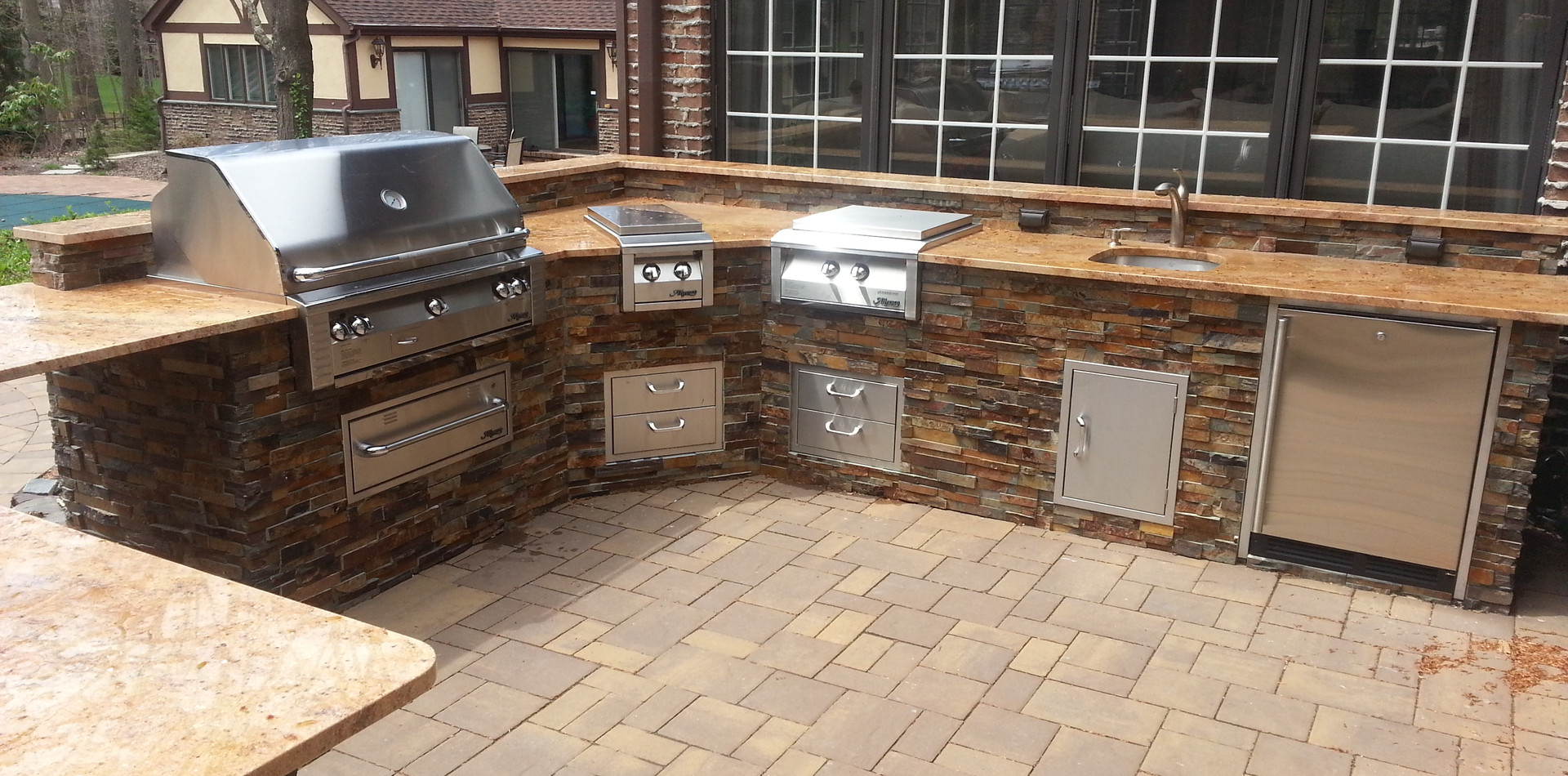 Classic Outdoor Kitchen