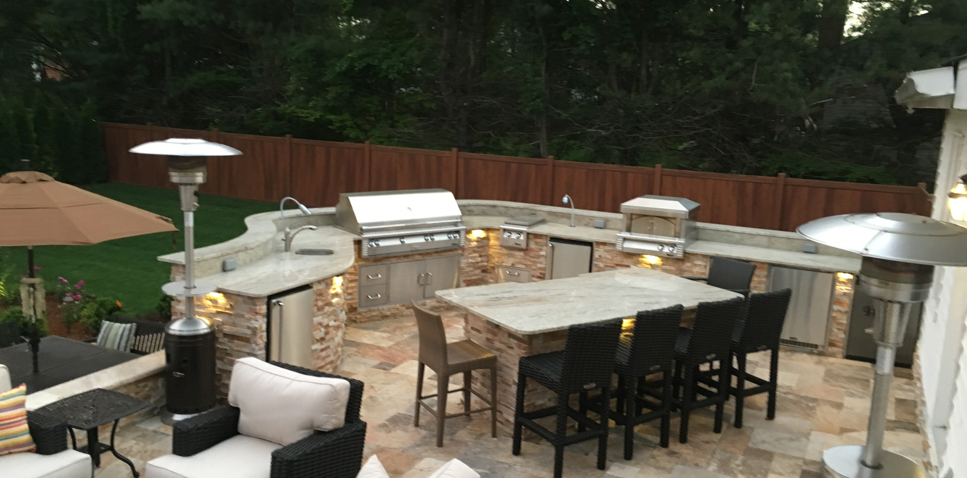 Outdoor Kitchen with bar seating