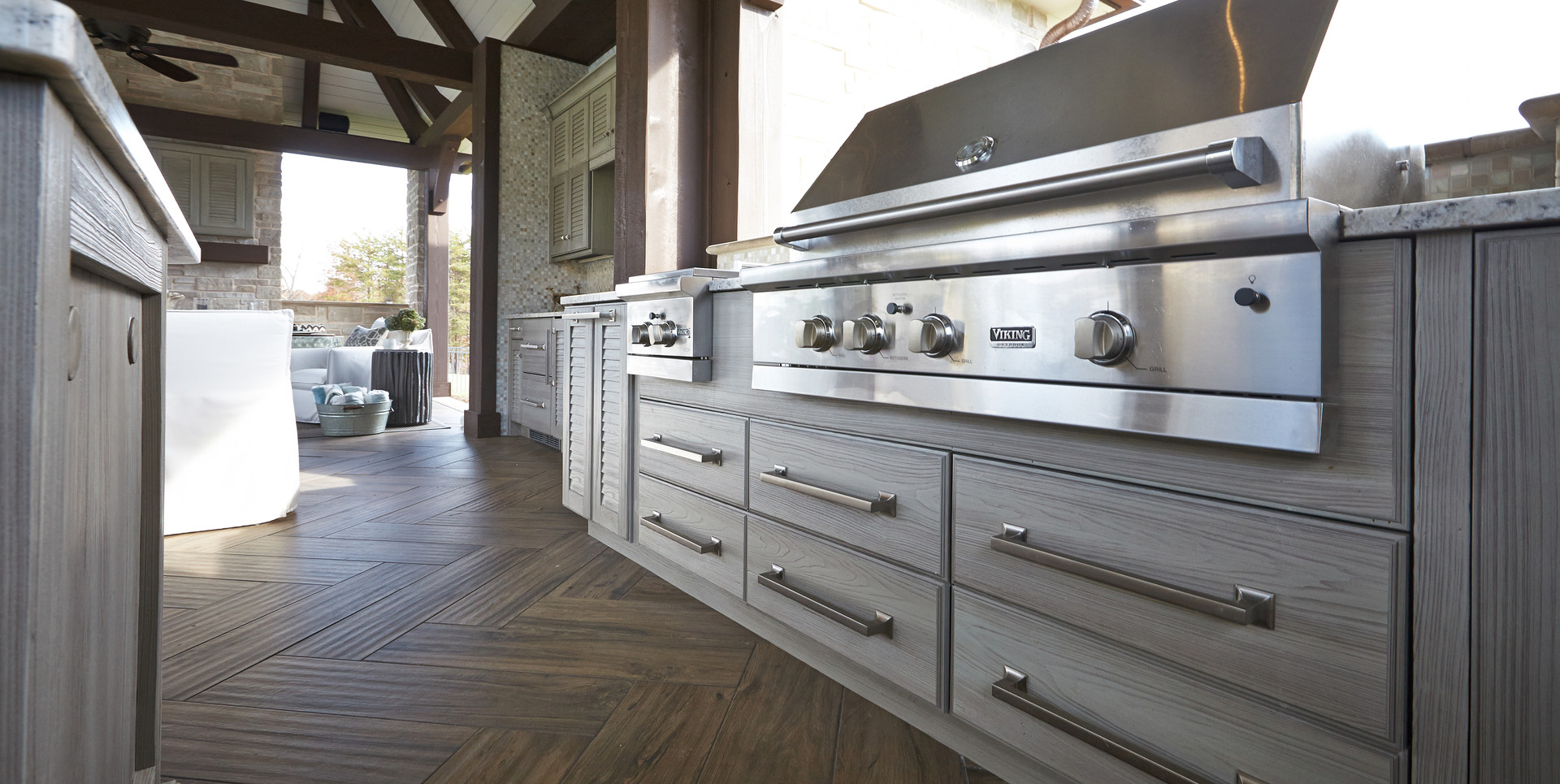 Grill-cabinet-with-drawers-and-weathered