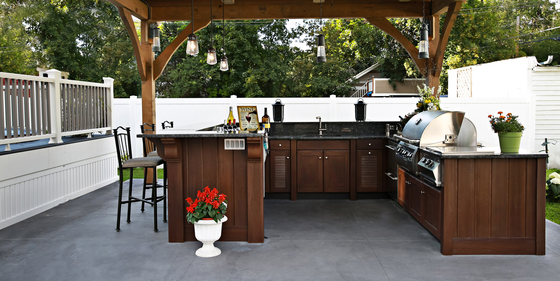 Backyard-with-raised-bar-and-grill