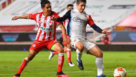 """CHIVAS VS NECAXA: EL REBAÑO SE SACÓ """"LA RIFA DEL TIGRE"""" EN EL REPECHAJE DE LA LIGA MX."""
