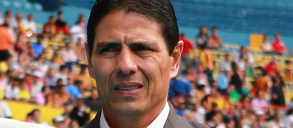 ALFONSO SOSA CULPA A SUS JUGADORES DE LA DERROTA ANTE GALLOS BLANCOS.