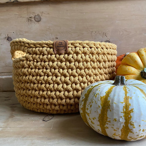 Crochet Basket Pattern - With Handles