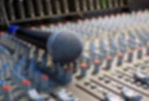 Mischpult mit Mikrofon