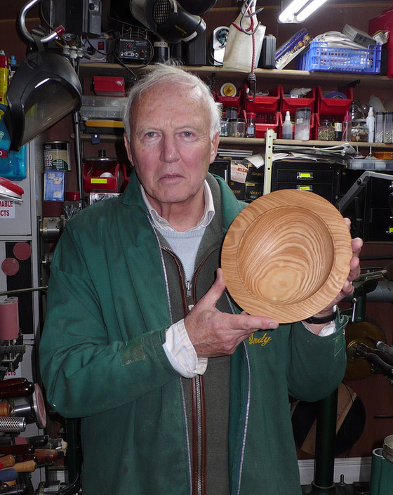 I had a very instructive full day on the lathe with Andy..........
