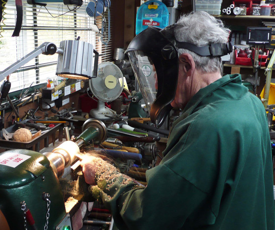 Les Willmott attended with a Craft Course voucher for a days lesson.