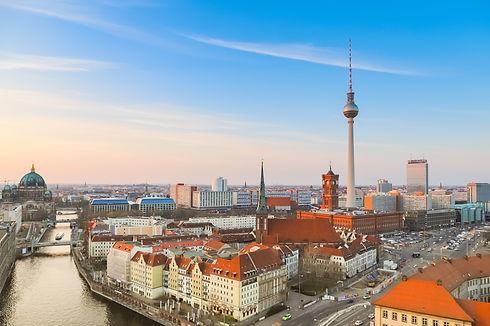 Aerial_view_of_Berlin_(32881394137).jpg