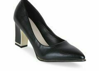 Women Black Solid Pumps