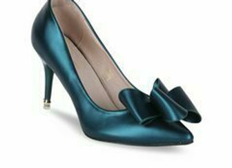 Women Blue Solid Pumps