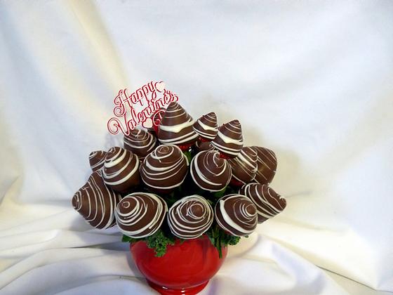 Milk Chocolate Berry Bouquet