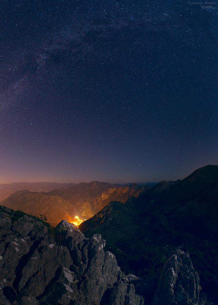 Ночной Ораховац, вид с гор