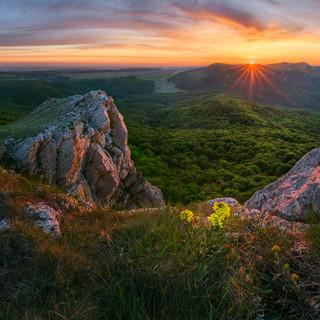 Вид с горы Тырке в сторону Караби
