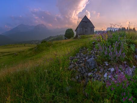 Какого цвета горы в Черногории?