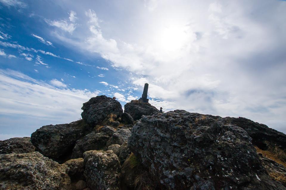 安達太良山峰岩
