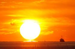 浜田から見たダルマ朝日