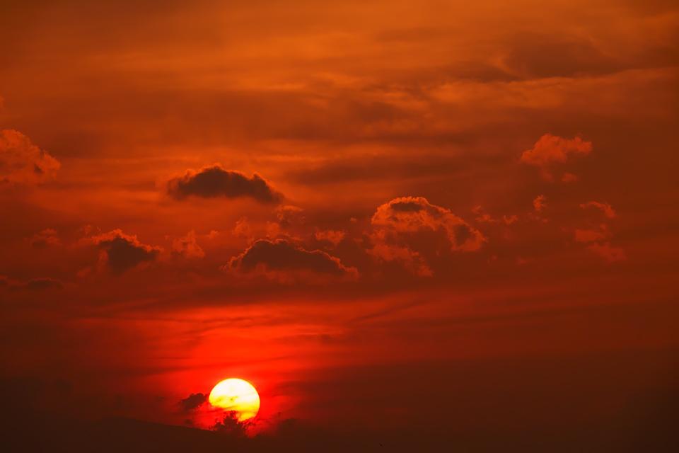 森郷に沈む夕日
