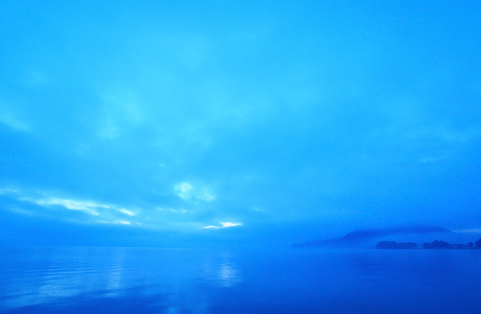 猪苗代湖朝景