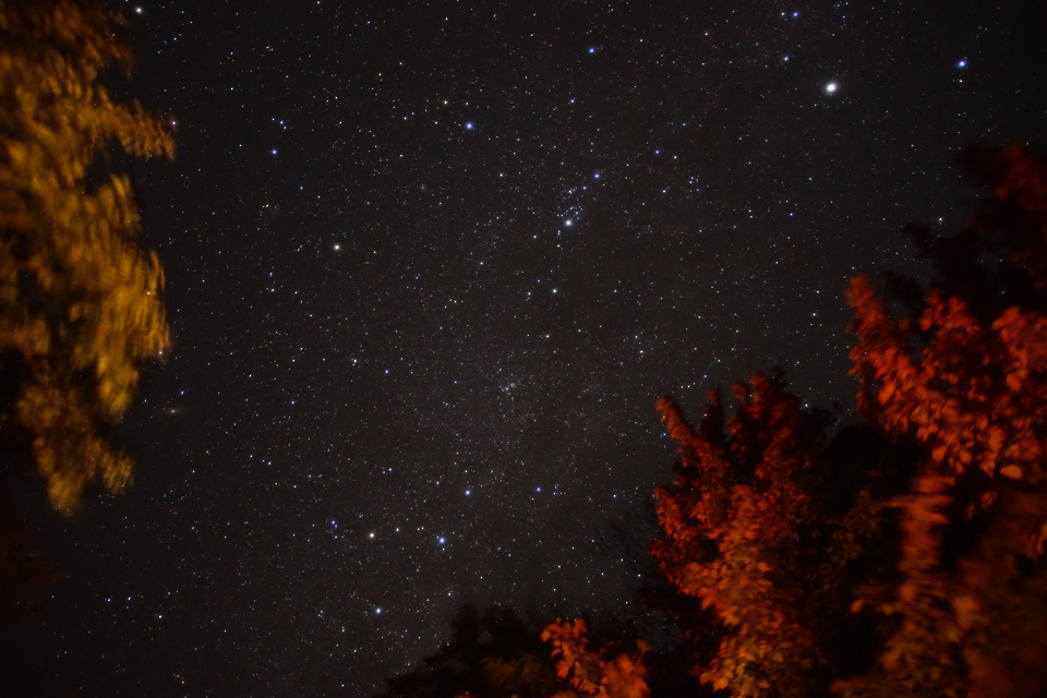 泉ヶ岳の星空と紅葉