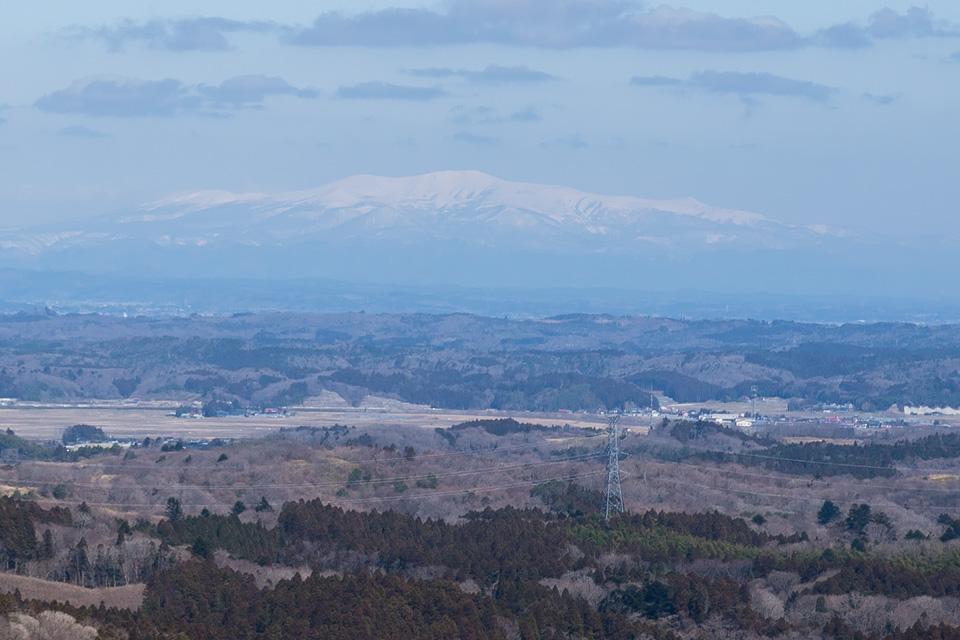番ヶ森から眺める栗駒山