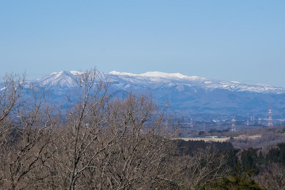 番ヶ森から眺める泉ヶ岳・船形山