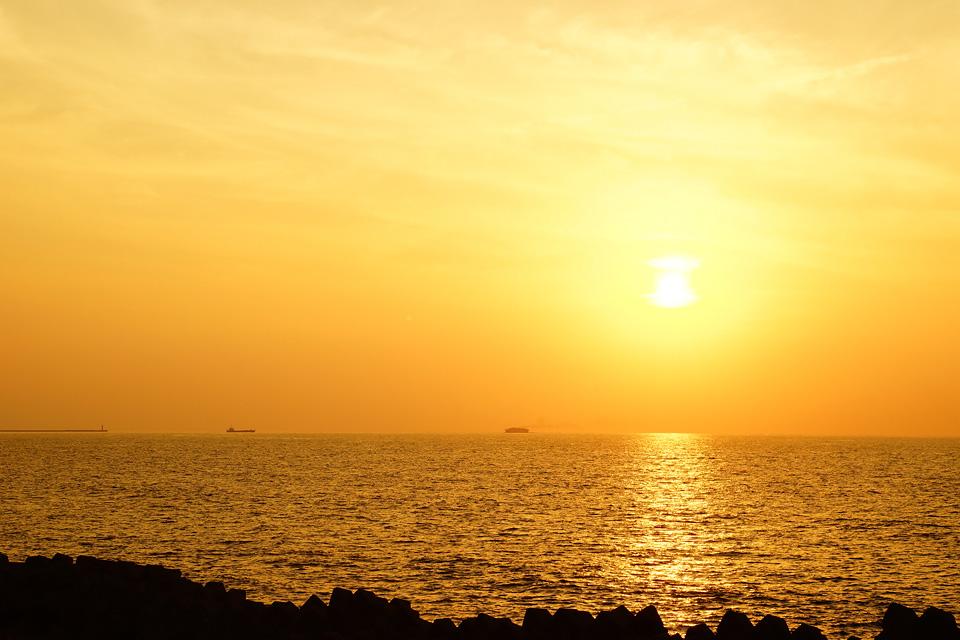 直江津港の夕日