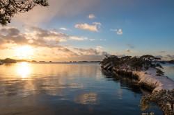 天然の桟橋 馬の背と朝日