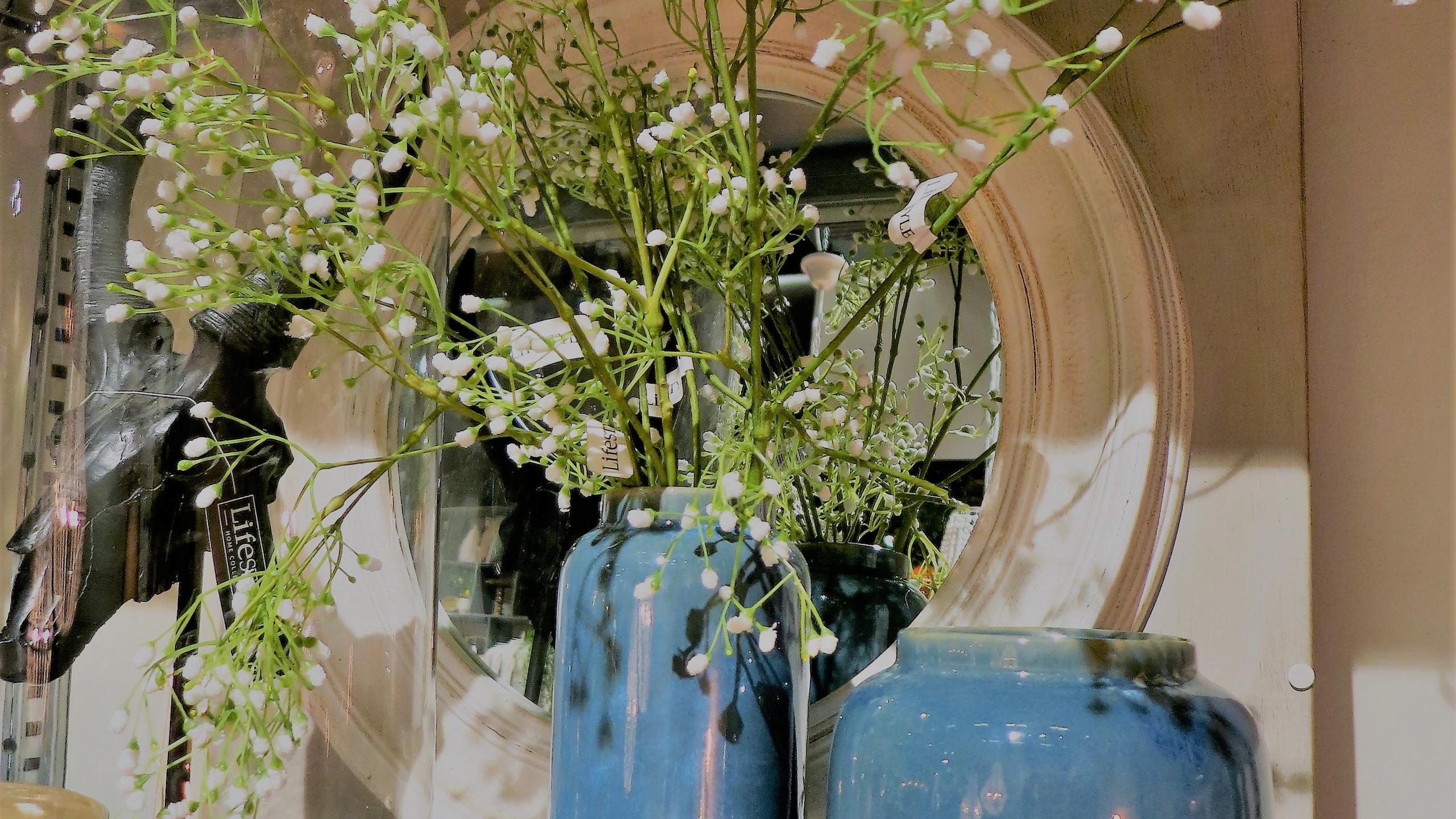 Maison & Objet Paris  Natürliche Materialien kombiniert mit strahlenden Farben.